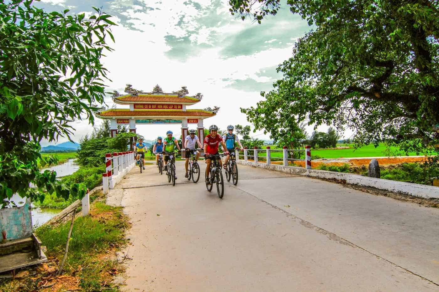 Cycle Saigon to Hanoi